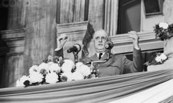 La IVe et Ve République française ; de Gaulle ; la gouvernance collabo ; la France, le Québec, etc.